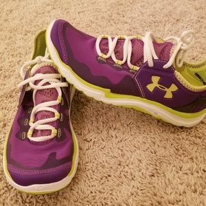 Under Armour Womans Sneakers 7.5